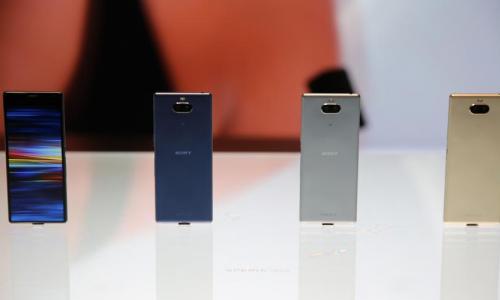 現在手機外型都一樣?網懷念:這款 Sony 舊旗艦才是藝術品