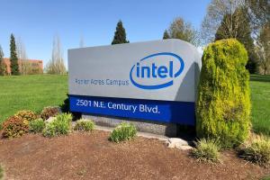 Intel 推「雅典娜筆電」!拚雙螢幕也有 9 小時續航