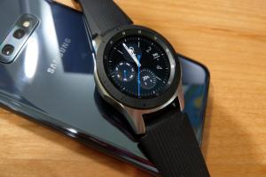 能與 Apple Watch 抗衡的智慧手錶!三星 Galaxy Watch 使用體驗