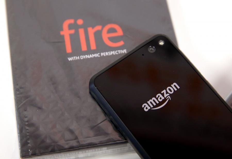 最強電商考慮再戰智慧手機!六鏡頭 Fire Phone 會有第二代?