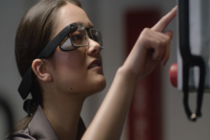 Google 眼鏡還沒死!推第二代大降價、只要一台 iPhone 的價錢