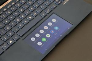 旗艦筆電技術正式下放!華碩第二代智慧觸控板 ScreenPad 登場