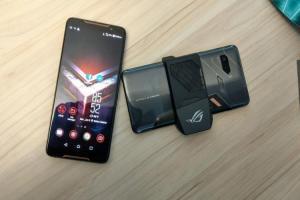 ZenFone 6 都沒有的頂級規格!華碩 ROG Phone II 螢幕升級曝光