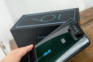 42% 外國網友支持!ZenFone 6 奪最佳翻轉手機