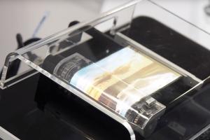 Sony 下半年發力?傳參戰摺疊手機、年底有 Xperia 20