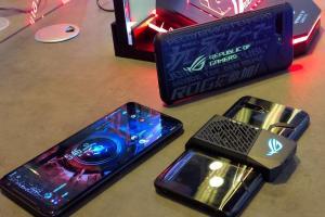 (影音直擊)內建全球四個第一!華碩旗艦電競機 ROG Phone 2代強悍登場