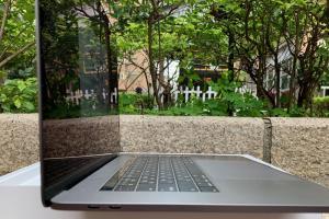 外媒評 5 款最佳學生筆電!華碩 ZenBook 入選、Dell 入榜兩款成贏家