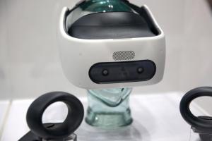 HTC 不只手機受挫?調查稱 VR 頭戴這項優勢也被超越