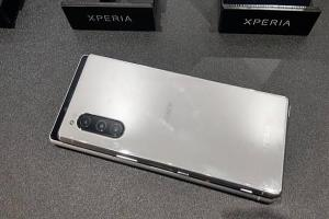 小電池不代表續航弱!Sony Xperia 5 左打蘋果三星、右打自家 Xperia 1
