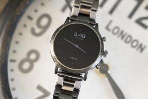 實用度大增!Fossil 新一代 WearOs 智慧手錶支援 iPhone 通話了