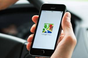 出國迷路不尷尬了!Google Maps 新功能替你「翻譯問路」
