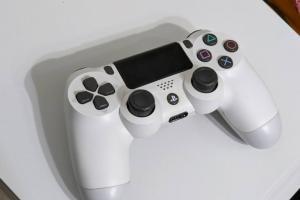 Sony PS5 新搖桿設計曝光!關鍵升級在「震動」回饋