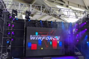 千名玩家扛著電腦來開戰!10 張圖搶先直擊 WirForce 電競盛會