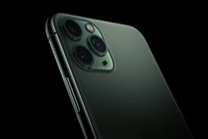 200 萬網友「盲測」16 款手機相機!iPhone 11 Pro 竟首輪出局