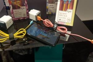 主打平價耐用、設計質感!3C周邊品牌推出4款手機充電配件