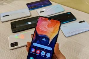 (影) 換新機5千至1.5萬元有找!通訊店達人推薦7款「高CP值」中階手機