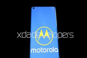 「瀑布」螢幕 + 旗艦定位!Motorola 規劃 MWC 推出兩款 5G 手機