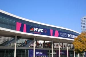 MWC 展33年首次停辦!各大手機品牌發表會異動延期看這裡