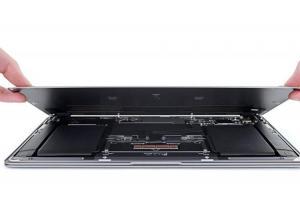 全新 MacBook Air 拆解報告出爐!維修評分微幅上升