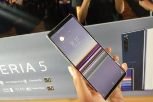 5 吋小手機漸漸消失!Sony Xperia 設計將成未來趨勢?
