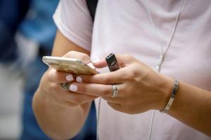 武漢病毒能在手機活一週!官方建議:想消毒蘋果、三星、Google 產品該這麼做