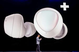 全新造型 + 抗噪機制!三星下一代 Galaxy Buds 耳機長得像「豆子」?