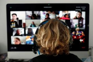 Zoom系統遭駭變「色情視訊」 新加坡宣佈教育課程停用