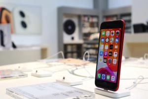 和 iPhone 8 到底有多像?新款 iPhone SE 拆解報告出爐