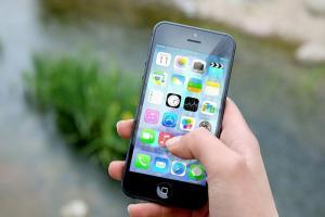 今早用 iPhone、iPad 各種 App 狂閃退?災情原因曝光了