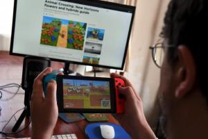Switch 一機難求、銷量暴減 6 成!PS4 意外成長 1.6 倍