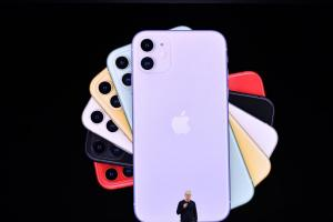 今年新 iPhone 又要「抽獎」?傳少部分機型悄用中國OLED螢幕