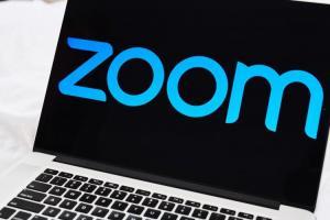 Zoom關閉紀念六四帳號 承認「受中國政府要求」