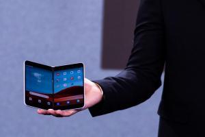 搶先卡位三星?傳微軟首款雙螢幕摺疊Android 手機上市腳步近了