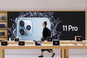 「摺疊 iPhone」設計首度遭爆料!蘋果致敬微軟 Surface 手機?