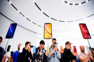 手機用 2 年轉賣還有一半價!5 大品牌旗艦「保值排名」出爐