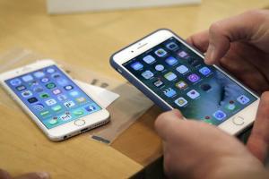 蘋果調查「充電頭如何處理」?未來iPhone 盒裝可能有變