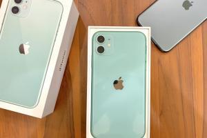 新一代 iPhone 盒裝曝光!網友笑說像「杯架」