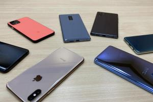 三款旗艦手機「盲測」對決!iPhone 11 Pro 少見夜拍全勝