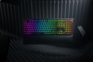 自訂無限燈光效果!Razer 兩款新遊戲鍵盤在台上市