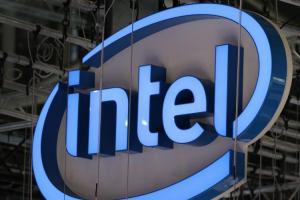 迎戰強勢 AMD!Intel 重推高階顯示卡、新一代十奈米 Core 處理器架構也登場