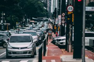 Google Maps 官方大解密!如何運用 AI 找出不塞車的路線?