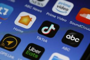 全球8月份「最吸金」App 冠軍是它!中國、美國用戶貢獻最高