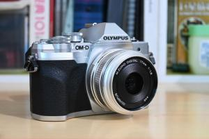 新手相機最強防震!Olympus 全新一代 E-M10 Mark IV 使用體驗