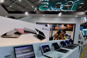 創8年來新高紀錄!研調:全球筆電出貨量估將突破1.8億台