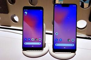 Google 旗艦手機 Pixel 3 傳災情!電池膨脹把背蓋都「撐開」了