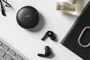 無線耳機不只要拼音質!新款主打遙控電視、殺菌功能