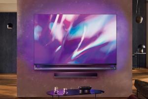 飛利浦跨界合作!攜手「保時捷」打造 70 吋智慧電視