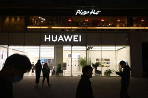 華為 CEO 暗諷蘋果慘遭反嗆!新旗艦關注度也大輸 iPhone、Pixel