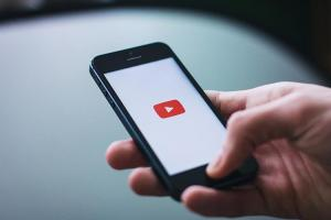 YouTube 小改版登場!添加更多全螢幕操作按鈕