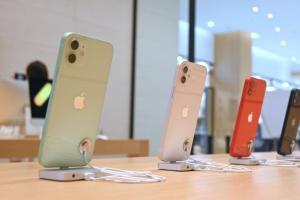 iPhone 12 不給充電頭!外媒列 3 點打臉「沒比較環保」